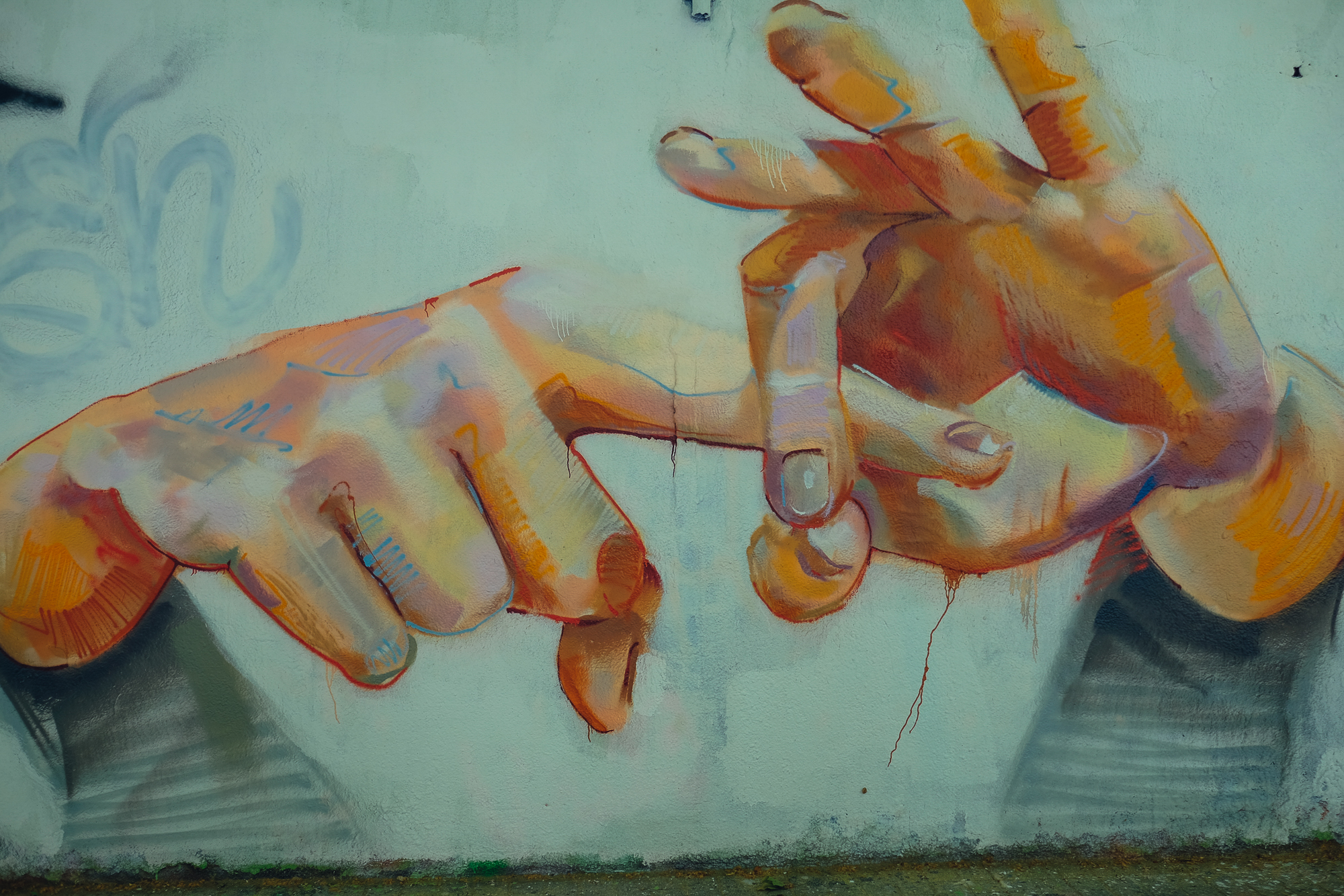 👉 👌 fingers painted wall